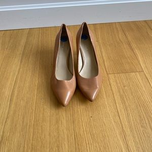 NWOT Nine West low heels pumps 7.5